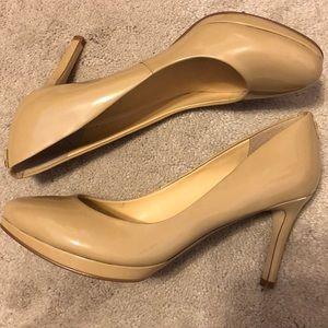 Ivanka Trump nude heels